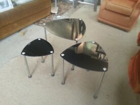 glasstop table nest of 3