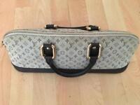 Louis Vuitton ladies handbag (authentic)