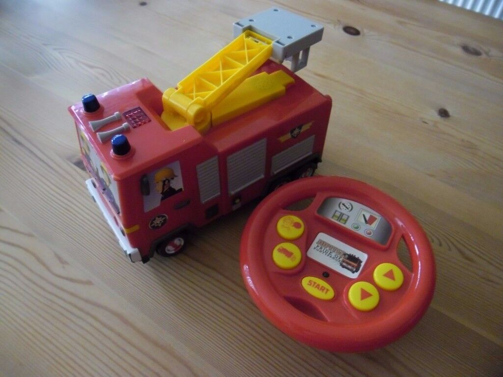 """Fireman Sam """"Jupiter"""" fire engine with remote control and noises"""