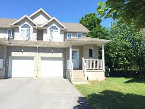 END UNIT TOWNHOME IN EAST END, QUIET COURT! 114 Fireside Crt