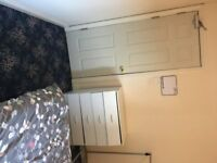 FURNISHED DOUBLE ROOM FOR PROFESSIONAL NONSMOKER IN WILLEN £450 PER MONTH FOR SINGLE OCCUPANCY