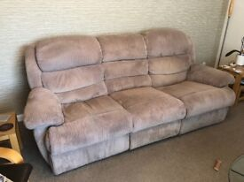 3 seater manual recliner settee £65