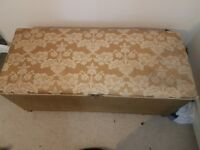 Chest/ blanket box
