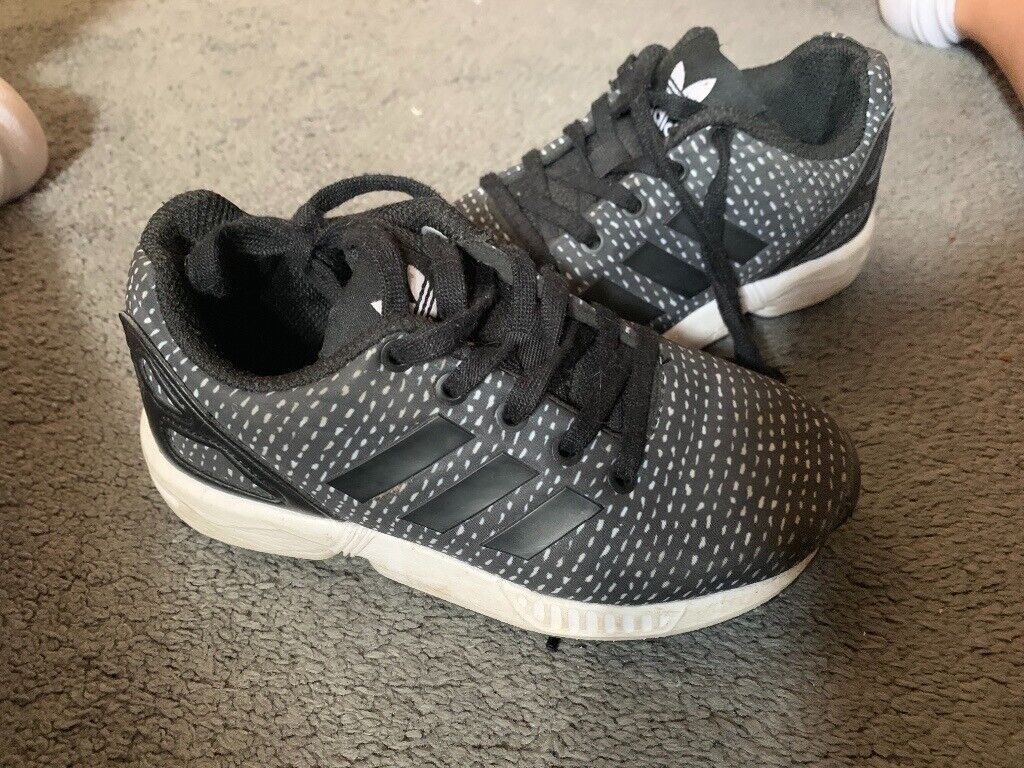 low priced 86867 4c817 Kids Adidas unisex flux trainers £20 size 10 | in Locks Heath, Hampshire |  Gumtree