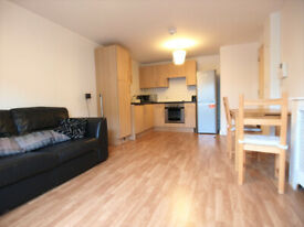 A Large & modern 1 bed flat in a private development located close to Old Street & New North Road