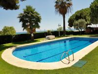 SEAVIEW FLAT FOR RENT ON THE BEACH WITH SWIMMING POOL NORTH OF BARCELONA