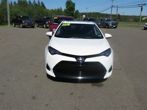 2018 Toyota Corolla LE HEATED SEATS, SUNROOF, HEATED WHEEL!
