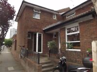 Large and Stylish Four Bedroom House in Battersea/Vauxhall SW8
