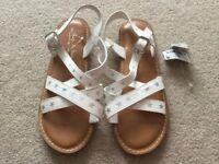 Girls Next white star sandals size 2 brand new