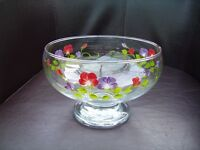 beautiful glass bowl excellent condition