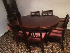 Extending Mahogany Table and 6 chairs