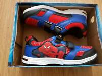 Boys Light up Spiderman runners/ trainers size 13.5