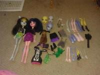 Monster High Clawdeen's bed, Lagoona's bed and Create A Monster