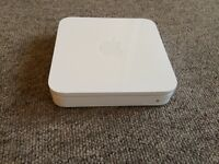 Apple AirPort Extreme router 802.11n - Bass Station Model A1143
