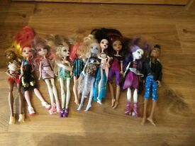 monster high bundle 4 as seen collect Stonehaven, might be able to meet beach area on Sat morning