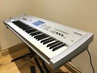 !!! Korg Triton 61-Key Synthesiser and Music Workstation