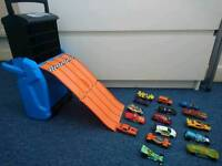 Hot wheels cars and track