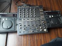 Pioneer DJM 600 and CDJs 500 - complete dj set up in MINT condotions