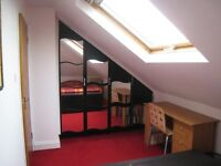 Double room with ensuite and fitted wardrobe