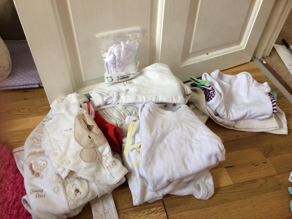 Unisex baby clothes bundle 0 3 monthsin Southampton, HampshireGumtree - Unisex 0 3 month bundle of clothes 7 sleep suits12 vests not all white but a couple funky colours 1 outfit (t shirt and trousers red)2 rompers1 jumper green 1 Jacket Anything else I find will be thrown in too Less than 50p an item!!Collection...