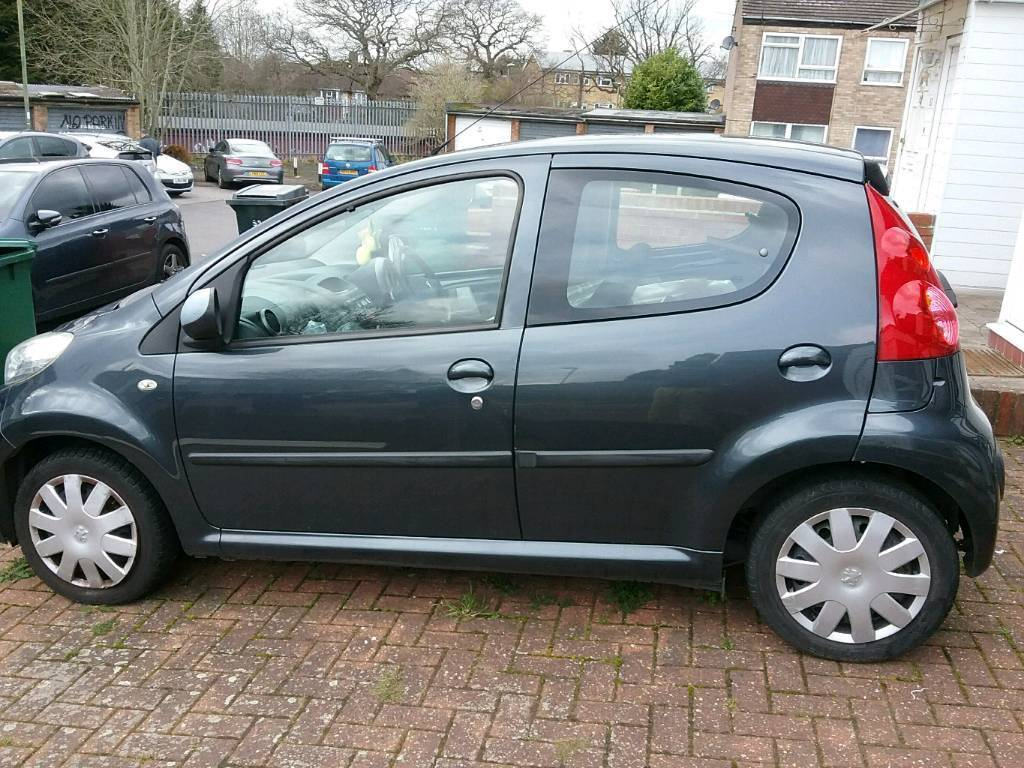 Peugeot 107 GREY 09 PLATE *IDEAL FIRST CAR* £20 road tax LOW ...