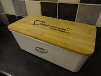 Brand new personalised Bread bin with 'Baked with love Thanks Debbie x' on the beautiful wooden lid