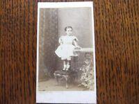 VICTORIAN CDV PHOTOGRAPH OF A LITTLE GIRL BY E.R. KINGSBURY KNIGHTSBRIDGE LONDON IN FAIR CONDITION