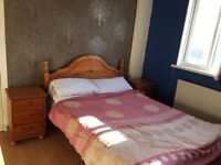 large double room to let @ E1 2NJ all bills inclusive excellent location available Monday near city