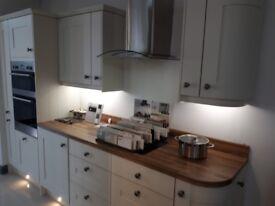 Rockfort Ivory Shaker kitchen and appliances