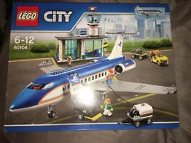 Lego city airport and passenger terminal 60104