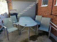 Large garden table +chairs