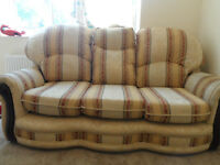 SOFA THREE SEATER SOFA FABRIC EXCELLENT GOOD CLEAN CONDITON PATTERNED DESINGN ECCLES LOCAL