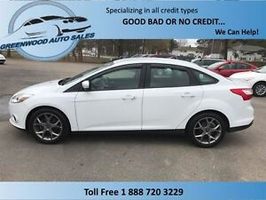 2013 Ford Focus SE! NICE CAR! LOW KM! CALL NOW!