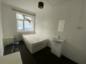 5 rooms (Single &Double) available at Acton high street W36ND £550-£750. All incl.