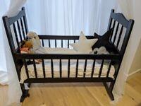 Baby rocking cradle cot