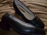 Comfort Plus black wide fit ladies shoe size 5