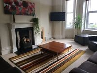 ALL BILLS INCLUDED, LOVELY MODERN 2 BEDROOM APARTMENT, OVERLOOKING THE BEACH, DECK & BBQ
