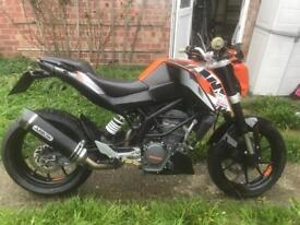 KTM DUKE 125 ABS LOW MILES (OFFERS)