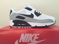 NIKE AIR MAX 90 TRAINERS WHITE, GREY AND BLACK - BRAND NEW WITH BOX! - LOOK BARGAIN!