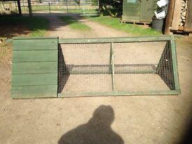 Chicken/rabbit hutch with run