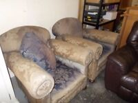 MATCHING PAIR OF RETRO VINTAGE GEORGIAN ARM CHAIRS AND CUSHIONS FREE LOCAL DELIVERY 07486933766