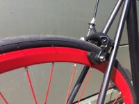 Single speed No Logo red and black bicycle fixed gear bike