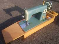 VINTAGE SEWING MACHINE ANTIQUE COLLECTOR OLD FASHION DRESS MAKING