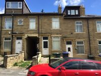 2 BED TERRACE TO LET IN BD8