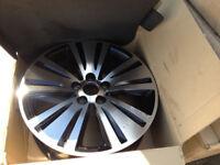 "4x kia sportage 18"" alloy wheels 529103w710, slight blemishes on each wheel, boxed, easy refurbish"