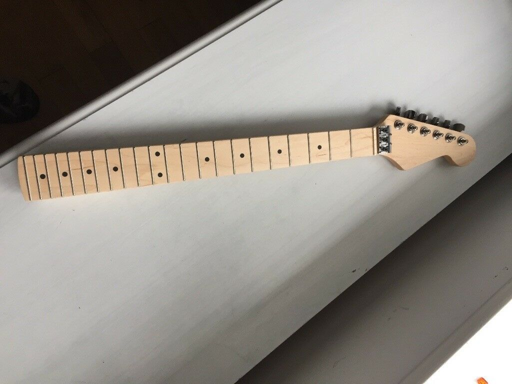 Maple/Maple guitar neck - 22 Fret, in excellent condition