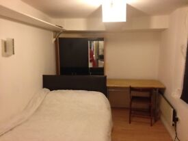DOUBLE ROOM TO LET( LIKE STUDIO FLAT ideal for a couple