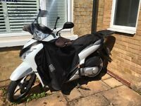 FOR SALE NOW!! HONDA SH 125B WHITE, GREAT CONDITION, 21139 MILEAGE, WITH OTHER ITEMS SEE LISTED