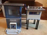 Playmobil police station with sound & lights & 4 people