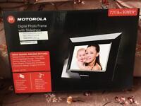 "Motorola digital photo frame 7"""